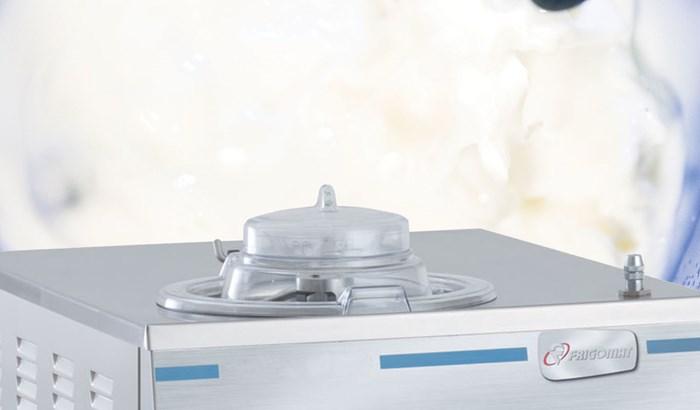 Macchine combinate di mantecatore con bollitore o cuocicrema in uno, ideali per la tua gelateria o pasticceria. Scopri la nostra attrezzatura professionale!